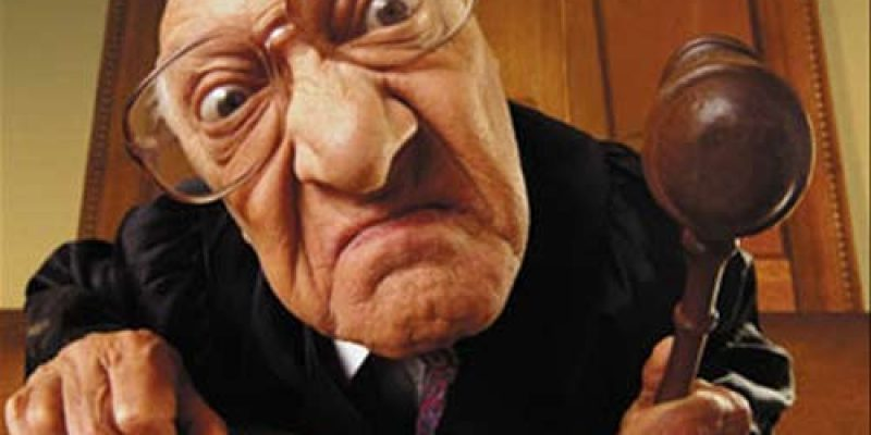 Шахрай обдурив суддю Верховного суду на 15 тисяч